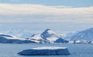 800px-Antarctica_(7),_Laubeuf_Fjord,_Webb_Island