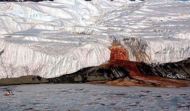 blood-falls-taylor-glacier-antarctica