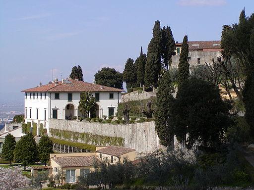 512px-Villa_Medici_a_Fiesole_1